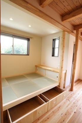 収納もできる畳スペース