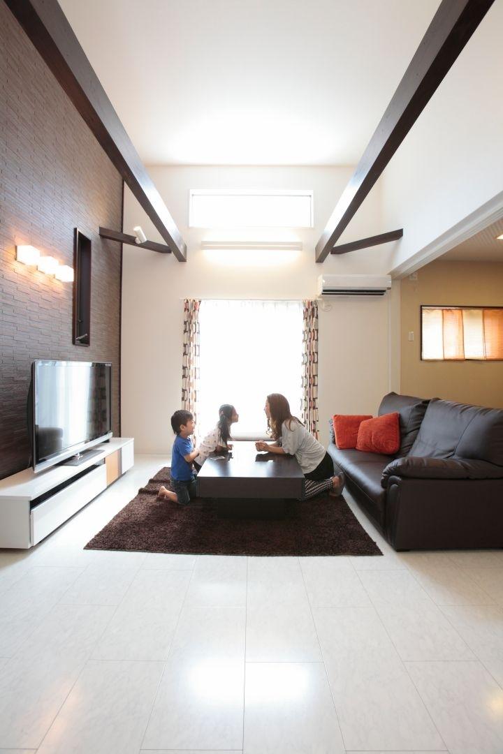 実用性&快適性を備えた中二階のある家