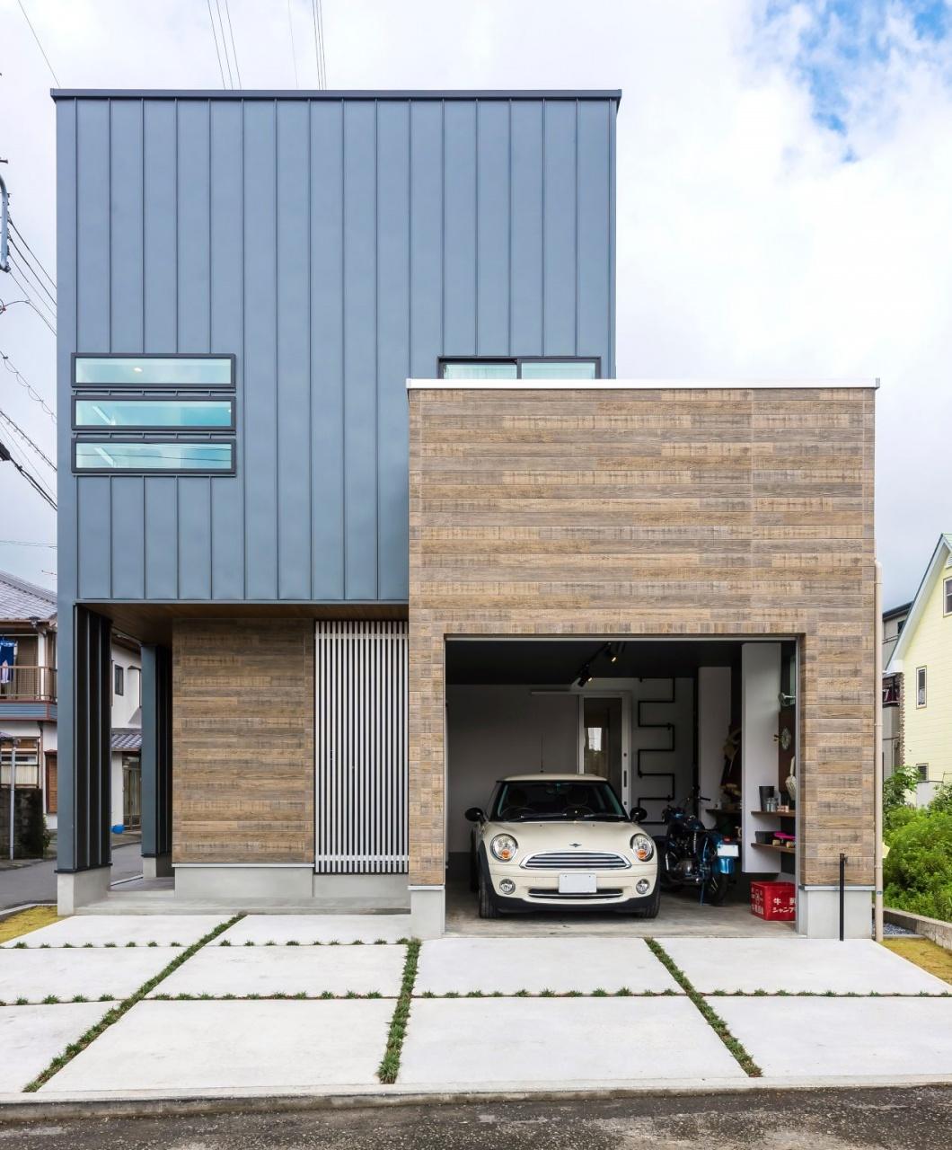 趣味を楽しむガレージのある家