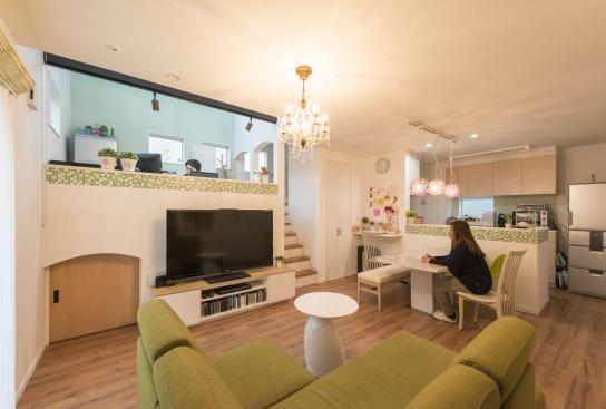 フレンチテイストと多層空間®が融合した家