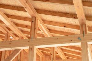 木材需要 建材が高騰 入ってこない 住宅市場 構造材 建材会社