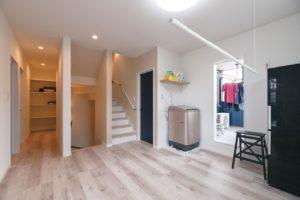 共働き夫婦 住宅 家事 洗濯 洗濯スペース リビング